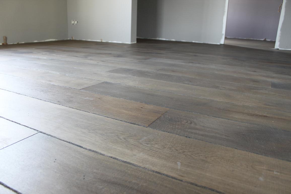 Foto eindresultaat project verouderde houten vloer bouten